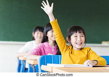 sala aula, menininha, aprendizagem, feliz