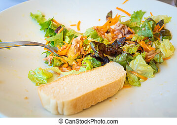 Salad plate with tuna