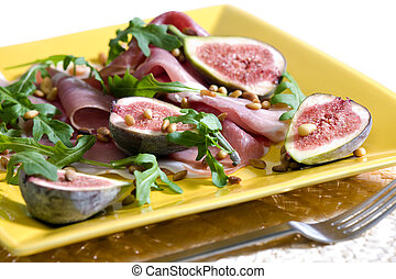 salad - Spanish ham with figs and pine nuts