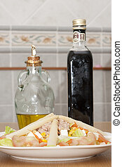 salad with oil and vinegar