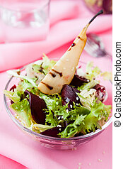 salad with pears and beets