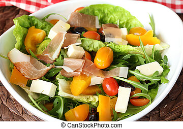 salad with prosciutto