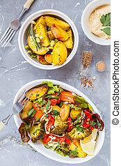salada, com, assado, legumes, e, hummus, topo, vista.