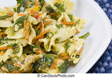salada macarrão