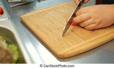 salade, restaurant, bois, cuisine, kitchen., chef cuistot, étape, planche découper, tomates