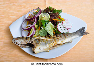 Salads and grilled fish - Delicious and a nice grilled fish ...