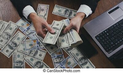 salaire, concept, bureau., séance, argent, haut, profit., mains, fin, homme affaires, dénombrement, table, ou