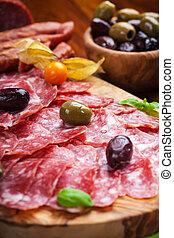 salami, olijven, italiaanse