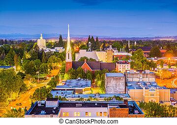 Salem, Oregon, USA town skyline at dusk.