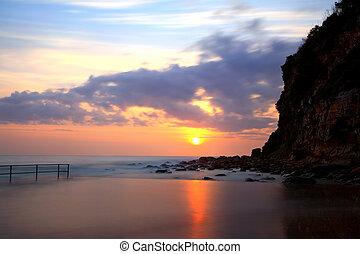 salida del sol, en, macmasters, playa, nsw, australia