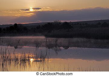 salida del sol, encima, el, lago