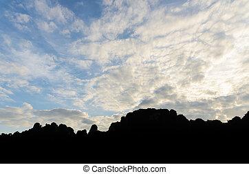 salida del sol, encima, el, montañas.