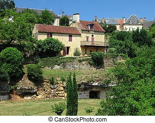 Salignac, Village