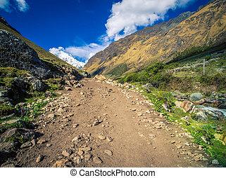 salkantay trekking trail peru
