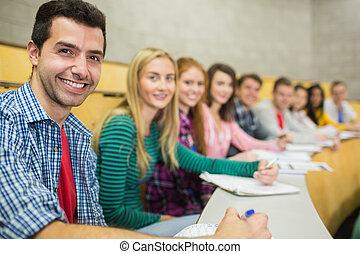 salle, étudiants, conférence, rang, sourire