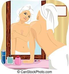 salle bains, femme, serviette, regarder, miroir, emballé, blanc, elle-même