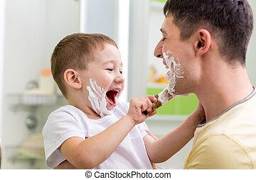 salle bains, rasage, père, mignon, enfant garçon