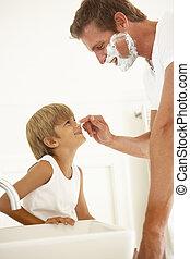 salle bains, regarder, père, fils, miroir, rasage