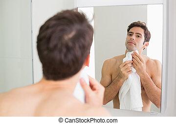 salle bains, soi, jeune regarder, miroir, homme
