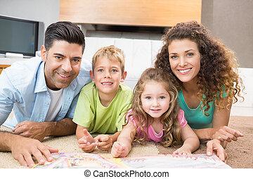 salle de séjour, livre contes, tapis, leur, parents, frères soeurs, maison, lecture, mensonge, heureux