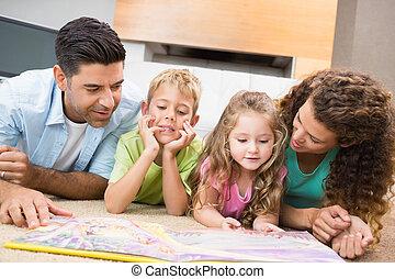 salle de séjour, mignon, tapis, livre contes, parents, frères soeurs, maison, lecture, leur, mensonge