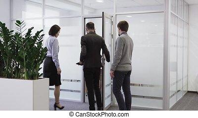 salle, gens bureau, promenades, equipe affaires, réunion