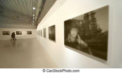 salle, photographie, filles, deux, promenade, exposition,...
