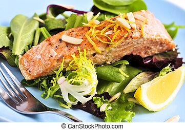 salmón asado parrilla, ensalada