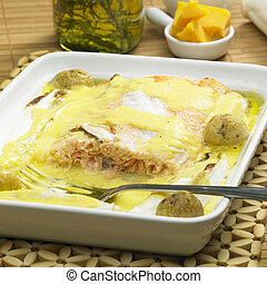 salmon and endive baked with chedar sauce
