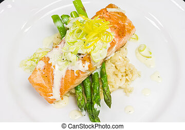 Salmon Entree with Asparagus