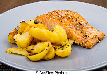 salmon fillets with potatoes