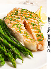 Salmon - Grilled salmon with asparagus and lemon