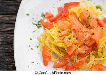 Salmon Spaghetti With Fresh Tomato