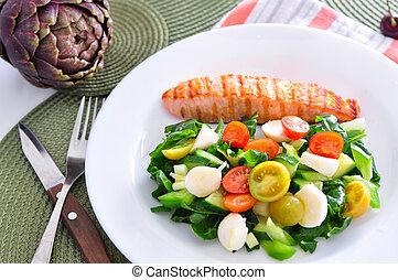 Salmon with vegetable salad