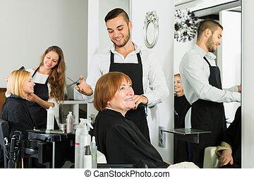 salon, cheveux, femme, personnes agées, coupures