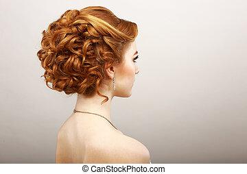 salon, concept, cheveux, crépu, rouges, styling., spa, woman., vue, arrière, haircare