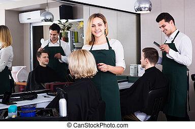 salon, coupures, cheveux blonds