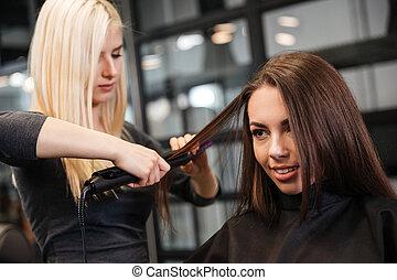 salon, femme, bordage, beauté, styliste coiffure, cheveux, client, coiffure