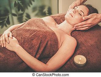 salon, femme, jeune, figure, spa, avoir, masage