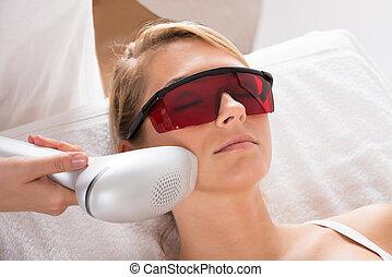 salon, femme, laser, traitement, subir