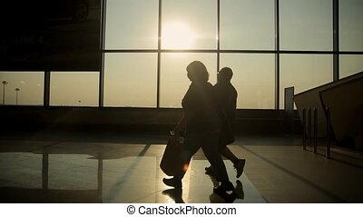 salon, passagers, silhouettes, coucher soleil, aéroport