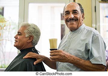 salon, pracujący, włosy, fryzjer, portret, starszy człowiek
