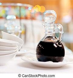 salsa soia, bottiglia