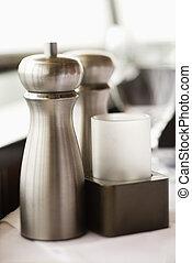 Salt and pepper shaker. - Stainless steel salt and pepper ...