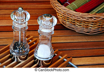 Salt and pepper - The mats for garden barbecue