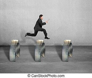 saltar, símbolo, hombre de negocios, encima, euro