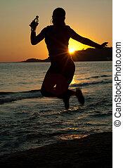saltare, donna, vicino, tramonto