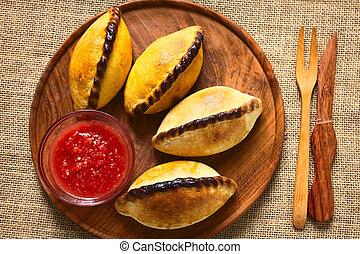saltena, santoreggia, pasticcerie, boliviano
