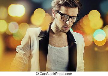 sam, człowiek, chodząc, modny, okulary