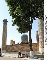 Samarkand the Bibi-Khanim 2007 - The architectural ensemble...